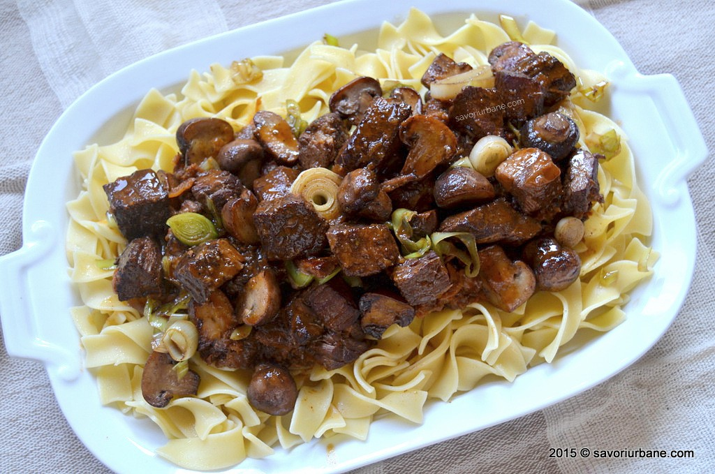 Boeuf Bourguignon reteta Julia Child (1)