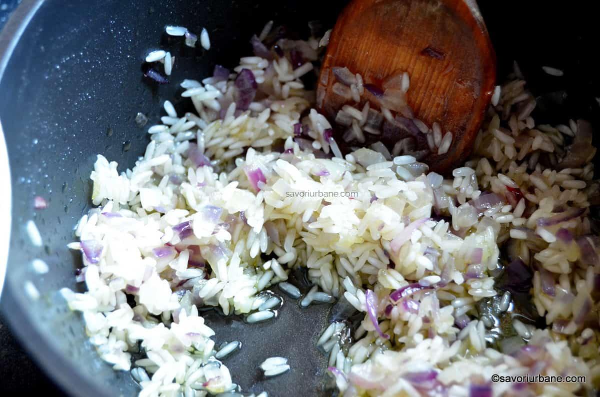orez calit pentru umpluturi cu carne tocata
