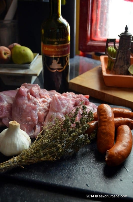 ingrediente tochitura de porc cu carnati (2)
