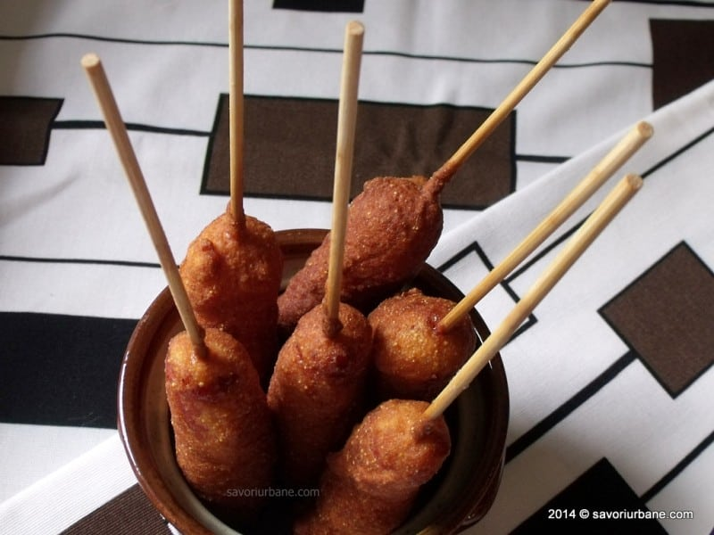 Crenvursti in aluat Corn Dogs (1)
