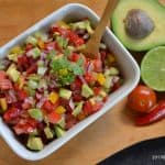 Salata mexicana cu avocado Pico de gallo – reteta traditionala