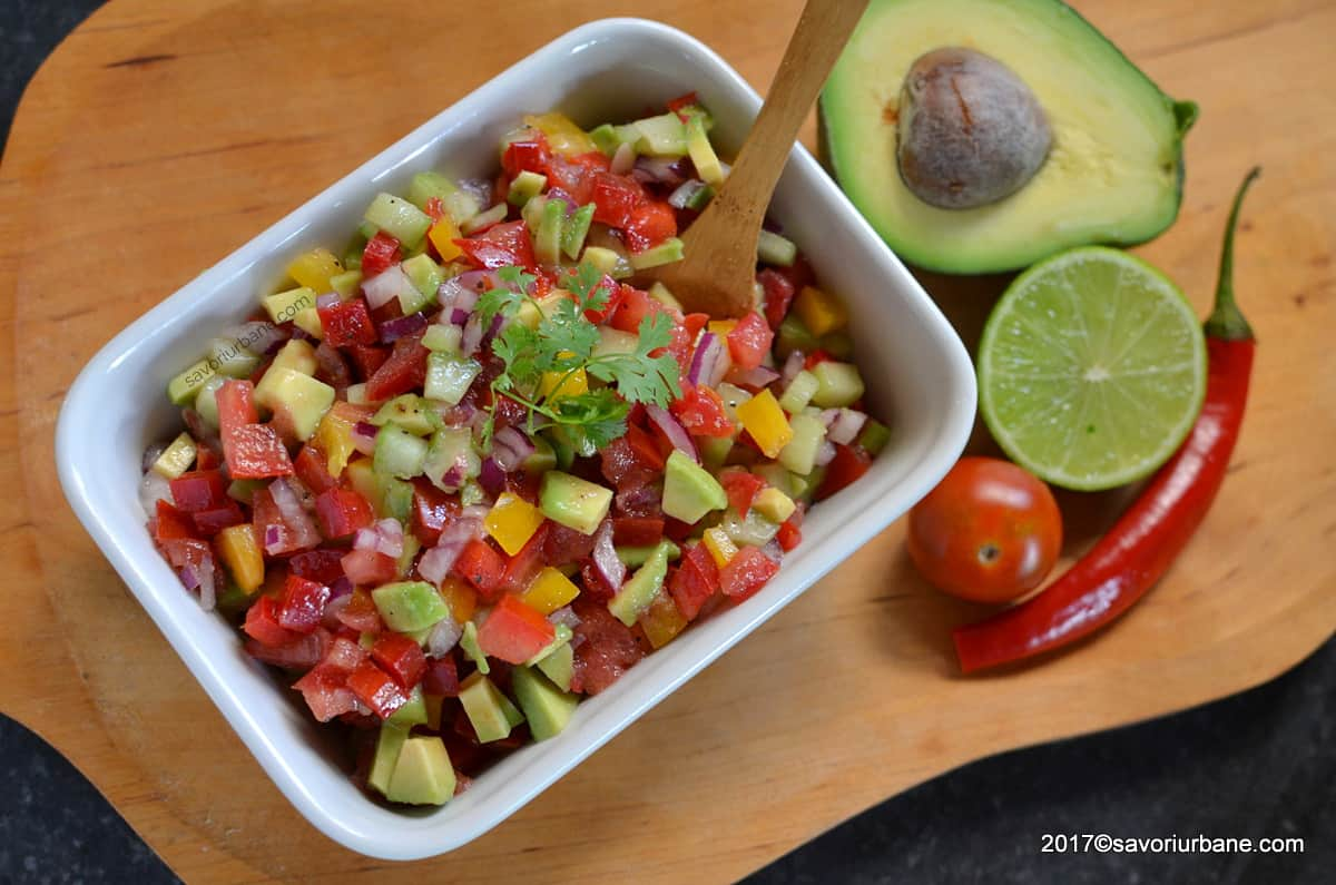 salata mexicana cu avocado pico de gallo reteta traditionala savori urbane