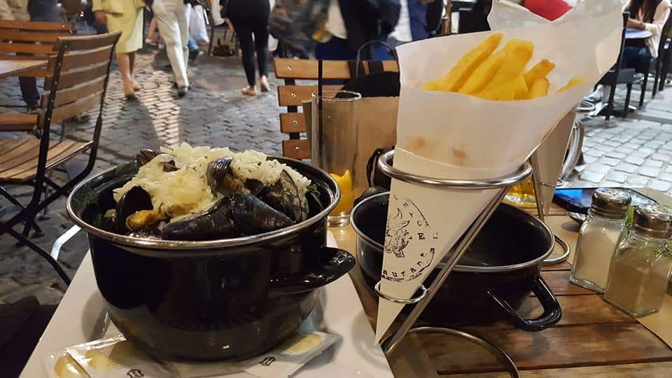moules and french fries in belgium