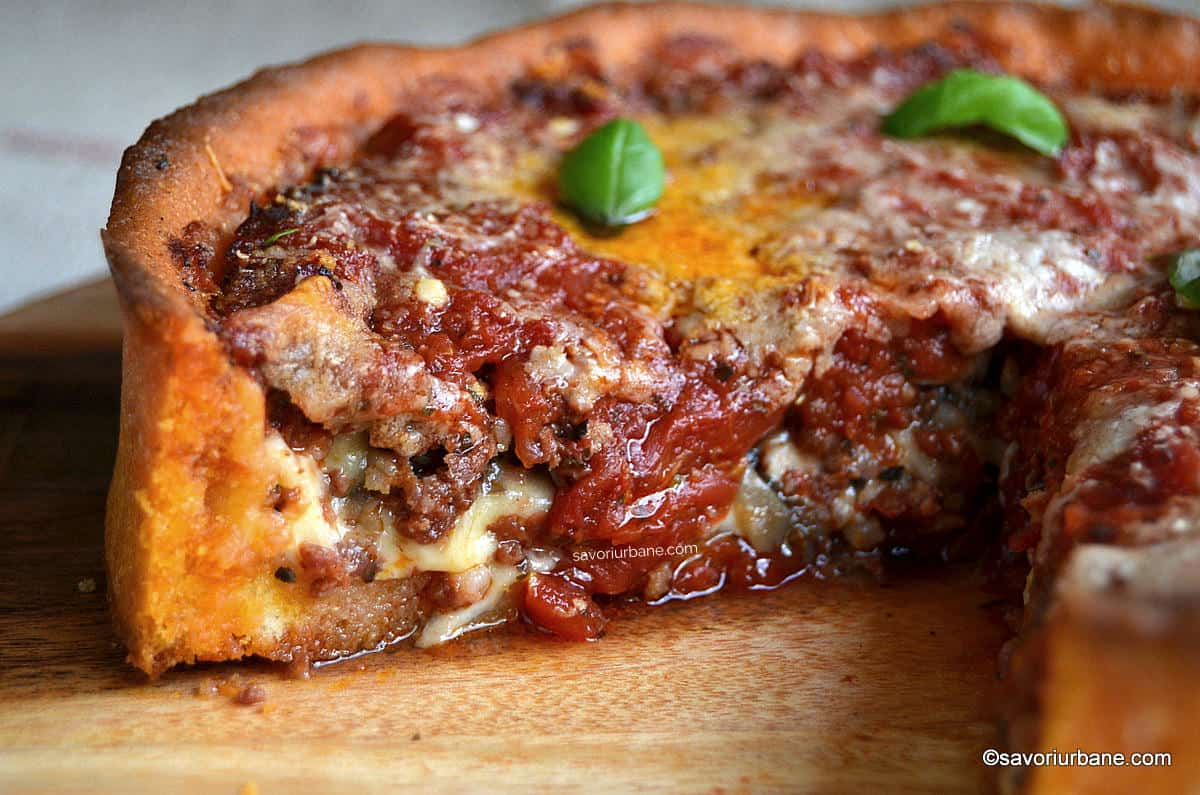 sectiune pizza chicago style deep dish stuffed pizza