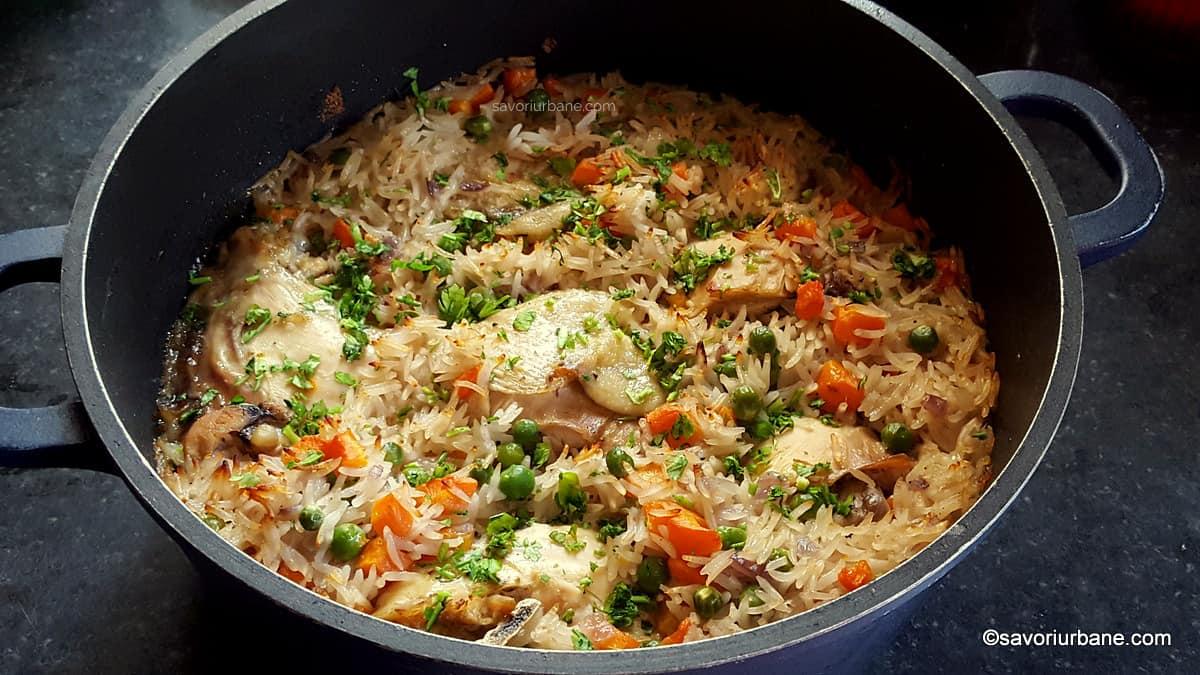 Pilaf de orez cu pui și legume - la cuptor. savori urbane