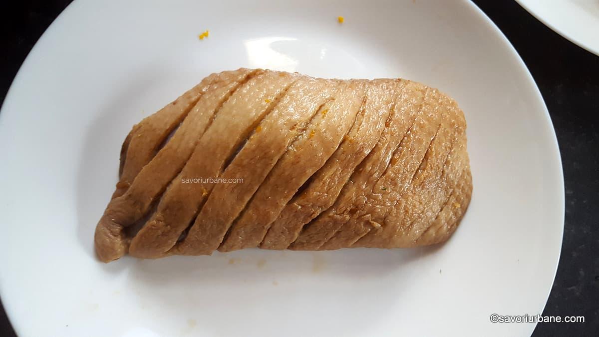 cand si cum se condimenteaza asezoneaza un piept de rata inainte sau dupa prajire (1)