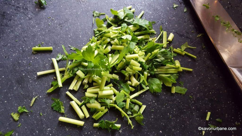 patrunjel verde tocat pentru supa (2)